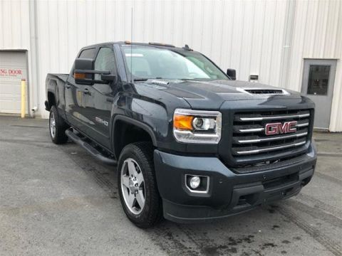New 2019 GMC Sierra 2500 Crew 4x4 SLT / Standard Box Four Wheel Drive Pick up